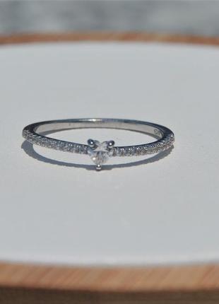 Кольцо серебряное с камнем сердце серебро 925 пробы