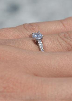 Кольцо серебряное с камнем серебро 925 пробы