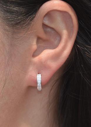 Серебряные серьги гвоздики полукольца сережки с камнями
