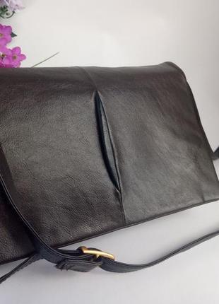 Удобная кожаная сумка кросс боди, натуральная кожа, почтальонк...