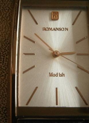 Наручний швейцарський годинник