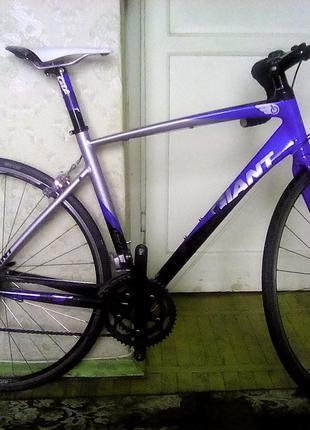 Продам шоссейный велосипед Giant Defy 3.