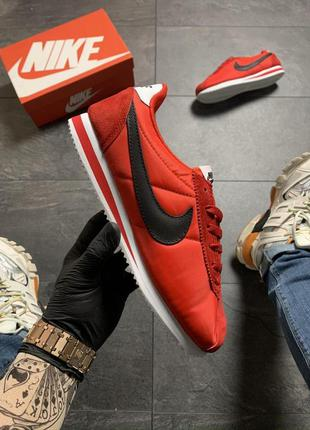 Nike cortez red black.