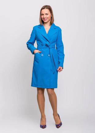 Стильный женский весенний голубой плащик