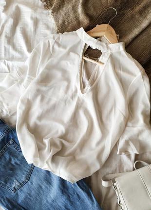 Белая блузка с чокером и воланами оборкой на рукавах , блуза с...