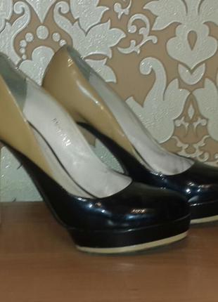 Женские туфли на платформе. vero cuoio. размер 40.