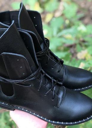 Кожаные ботиночки от christina
