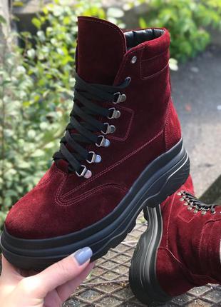 Бордовые замшевые женские зимние ботинки от christina