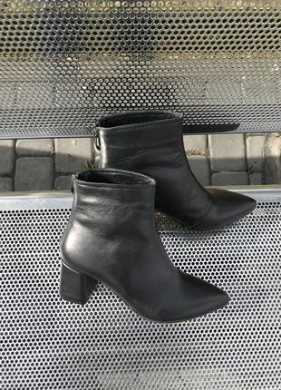 Кожаные ботиночки на каблуке