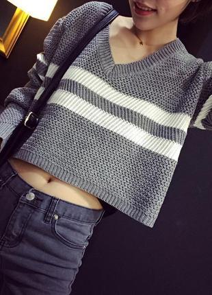 Милый вязаный укороченный свитер кроп топ в полоску