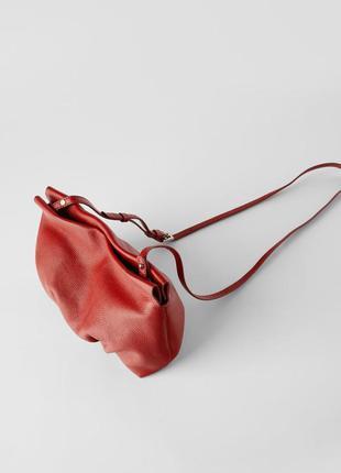 Кожаная сумка со сборкой от zara