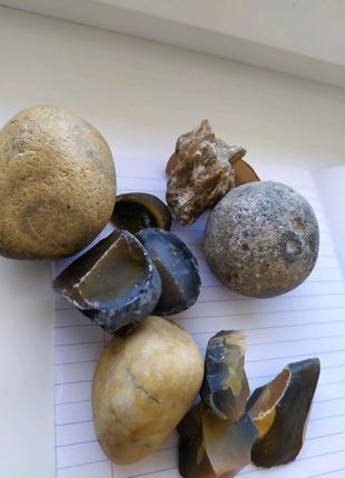 Коллекция декоративных минералов для коллекционеров или декорации