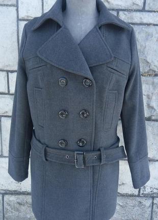 Сіре фірмове двобортне пряме пальто (yessica at c&a)