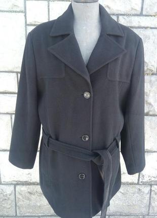Чорне фірмове пряме пальто більшого розміру
