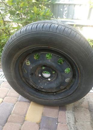 Стальной диск с резиной 185/65 r15