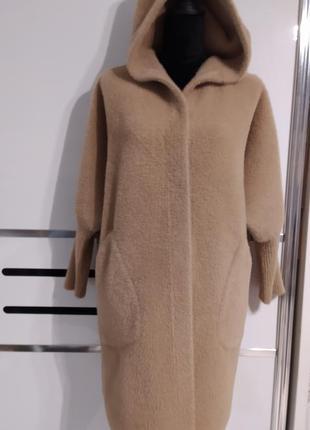 Кашемировое бежевое пальто с капюшоном шерсть