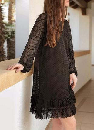Свободное черное платье с сеткой