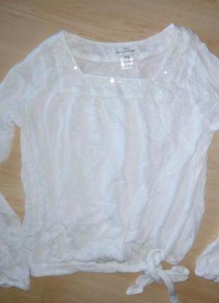 Белая школьная блуза на 11-13 лет.