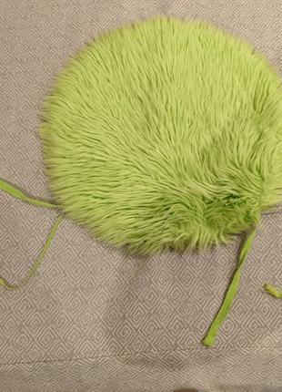 Детская подушка на стул зеленая искусственный мех диаметр 30 см