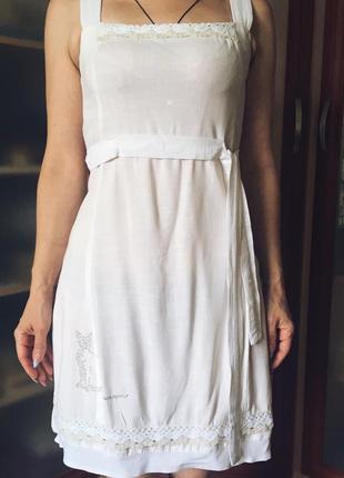 Белый летний сарафан на широких брителях, легкий, тонкий