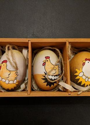 Пасхальное яйцо писанка крашанка на деревянной основе в упаковке