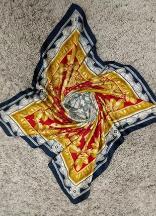 Трендовый платок шарф