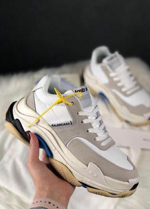 Стильные кроссовки 😍 balenciaga triple s v2 white😍