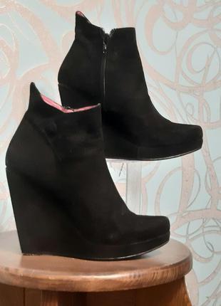 Оригинальные женские  ботиночки buffalo london натуральный замш