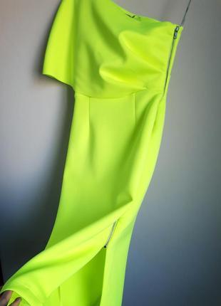 Неоновое неопреновое платье на одно плечо миди футляр
