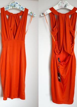 Эффектное платье миди с красивой спинкой и глубоким декольте