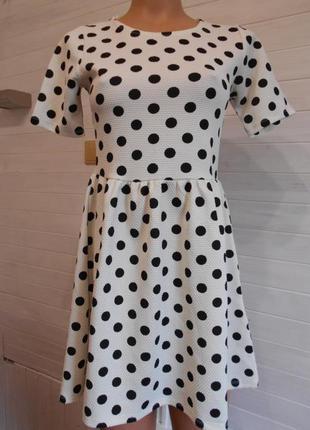 Милое и нежное платье в горох