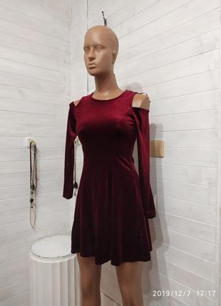 Шикарное платье на девочку на 9-10 лет,11-12,5-6