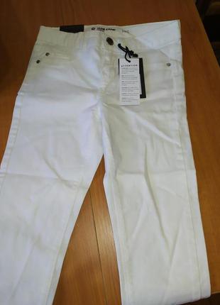 Классные джинсы на рост 146