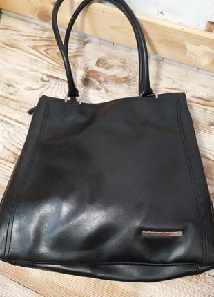 Красивая сумочка новое состояние