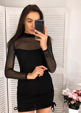 Черное платье мини с длинными рукавами сеточка
