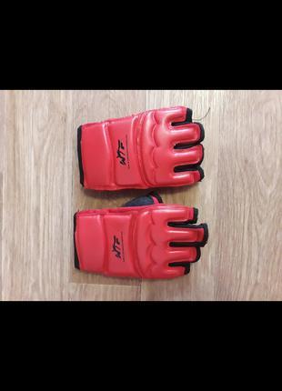 Перчатки для тхеквандо