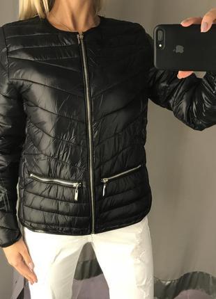 Чёрная стёганая куртка весенняя курточка на синтепоне. amisu. ...