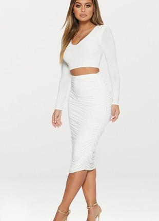 Белый комплект кроп топ с длинными рукавами и юбка миди