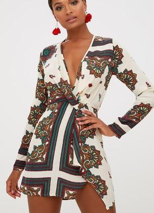Красивое легкое летнее платье с длинными рукавами