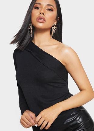 Стильный черный топ , блузка но одно плечо