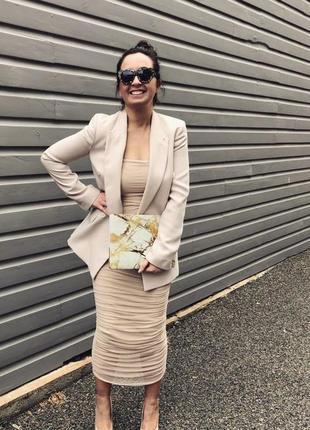 Нюдовое платье сеточка,  по фигуре, на бретелеках
