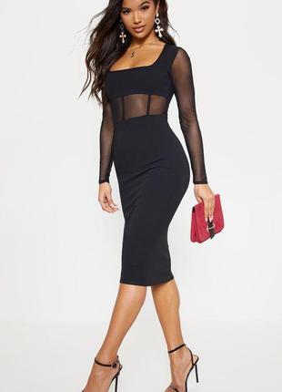 Черное платье миди по фигуре