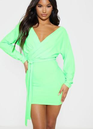 Неоновое платье мини с длинными руками