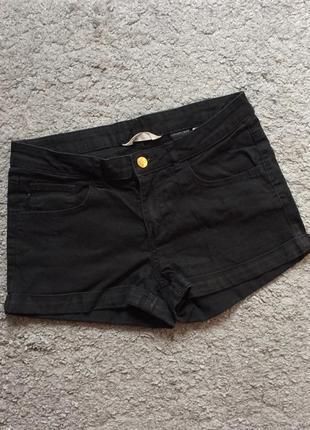 Чёрные короткие шорты hm