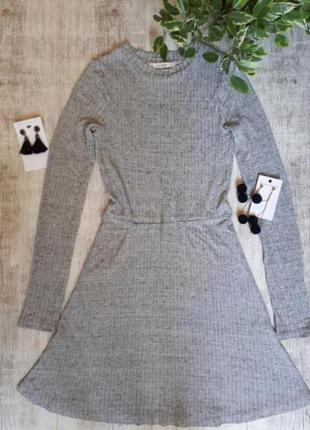 Платье с длинный рукавом