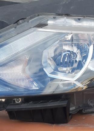 Nissan Qashqai J11 Фара 26060-4EH2A
