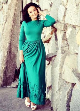 Красивое дизайнерское платье в пол