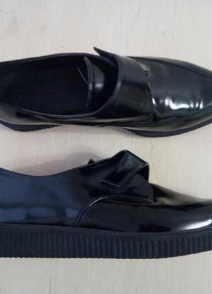 Лаковые туфли броги на липучке оксфорды