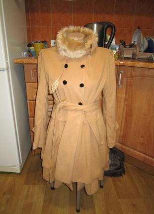 Красивое фирменное пальто, 42-44р.