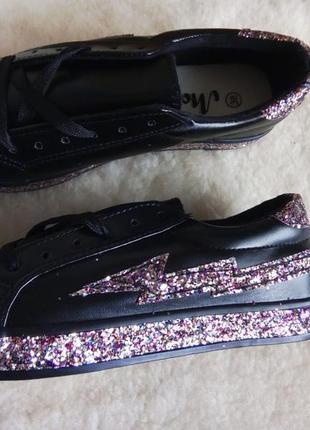 Шикарные кроссовки, мокасины, туфли с глитером
